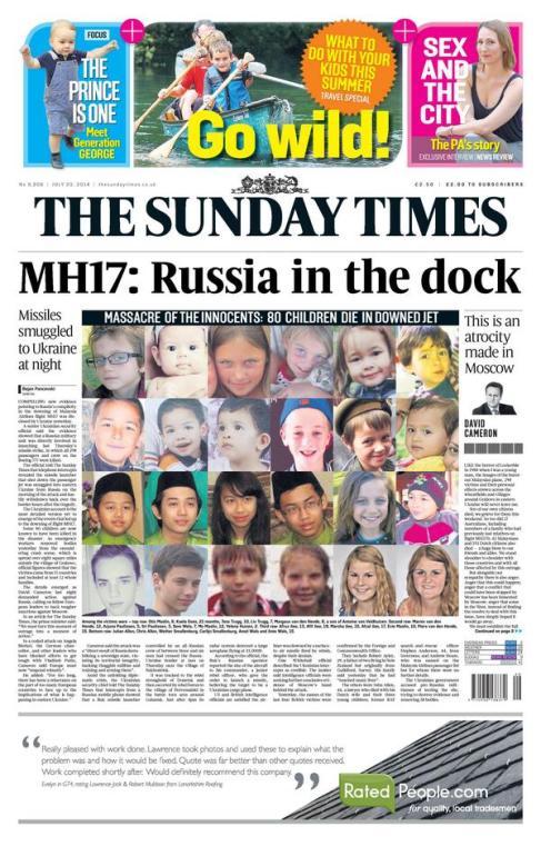 นสพ. The Sunday Times ในกรุงลอนดอนพาดหัว MH17 : รัสเซียเข้าคอกพยาน (จำเลย) และเผยภาพส่วนหนึ่งของเด็กที่เสียชีวิตจากเที่ยวบิน MH17