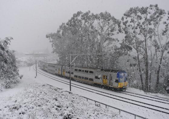 down V set in snow storm Katoomba