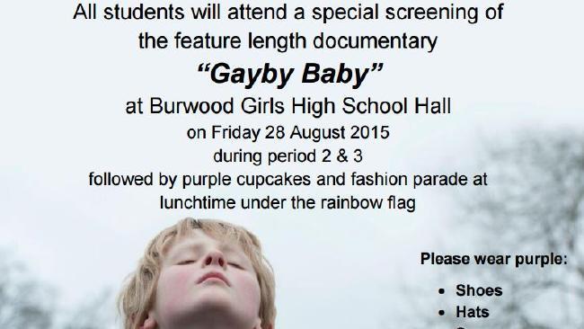 ส่วนหนึ่งของแผ่นพับที่โรงเรียนส่งให้ผู้ปกครอง ขอให้บุตรหลานแต่งกายสีม่วงในวันนั้น