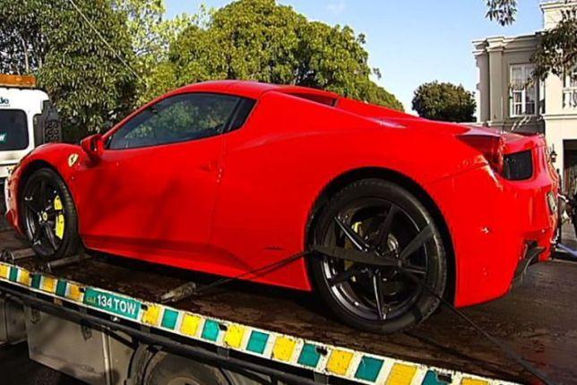 รถเฟอรารีของนาย Baljit Singh ถูกตำรวจยึดไปจากบ้านย่าน Balwyn นครเมลเบิร์น