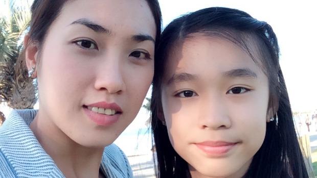 นาง Duong Nguyen มารดาและด.ญ. Kate Vo บุตรสาว (ภาพชั่วคราวจากนสพ. the Age)