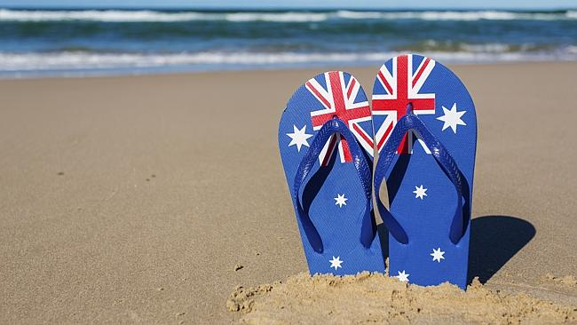 รองเท้าแตะที่ชาวออสเตรเลียสวมใส่ในวันชาติ จึงขอให้ชาวโลกให้อภัยต่อความคิดที่เป็นเอกลักษณ์ของชาวออสซี่ หากพวกเขาทำเรื่องขุ่นข้องหมองใจขออย่าได้ใช้กำลังประทุษร้าย โปรดปล่อยให้เป็นหน้าที่ของกฎหมายบ้านเมืองในแต่ละประเทศเป็นผู้ทำหน้าที่