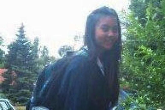 น้องบัง-สิริยากรขณะไปโรงเรียน ซึ่งเป็นเครื่องแบบเดียวกันกับวันที่เธอหายตัวไป : ภาพจากสำนักข่าว ABC