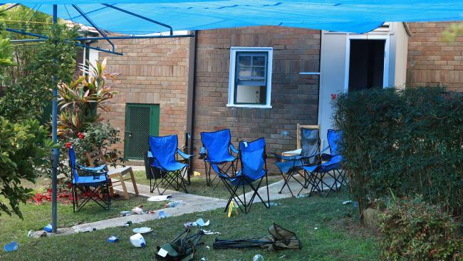 สภาพหลังบ้านย่าน West Ryde หลังเกิดเหตุการณ์แทงกัน : ภาพชั่วคราวจากนสพ. the Telegraph