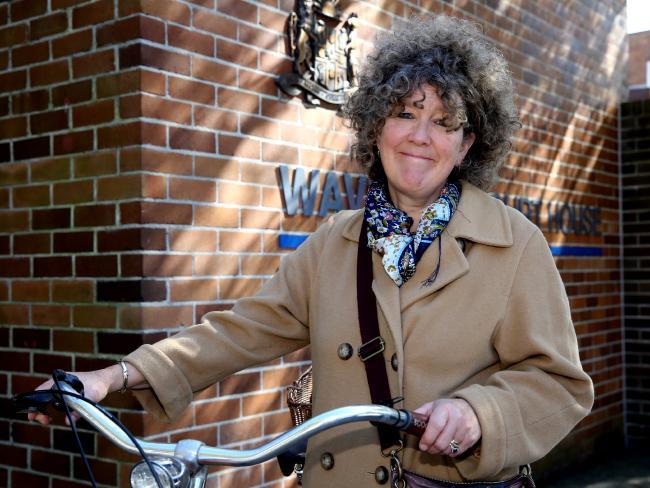 นาง Sue Abbott ที่ศาลท้องถิ่น Waverly: ภาพชั่วคราวจากสำนักพิมพ์ News Corp