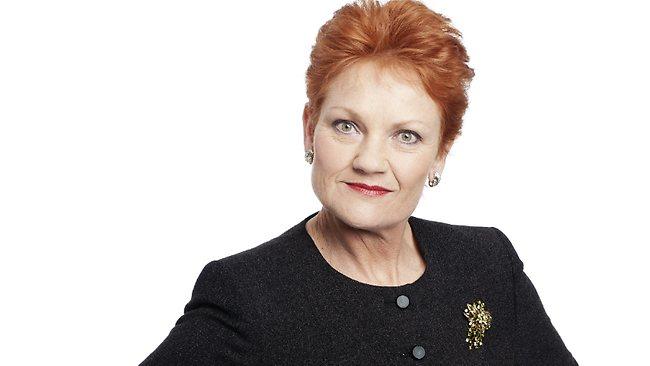 นาง Pauline Hanson นักการเมืองขวาตกขอบ : ภาพจากนสพ. The Australian