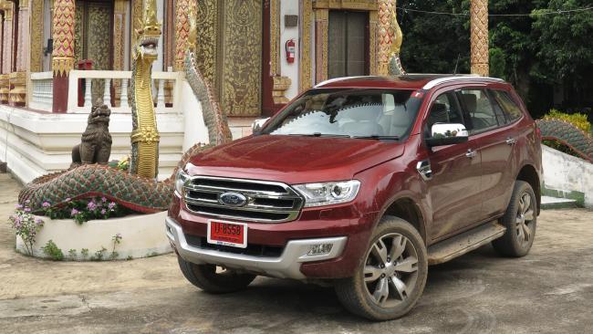 รถ Ford Everest ออกแบบโดยคนออสเตรเลีย ทดสอบด้านวิศวกรรมในออสเตรเลีย แต่ได้รับการผลิตในประเทศไทย และพร้อมที่จะส่งมาขายในออสเตรเลีย : ภาพจากนสพ. the Telegraph