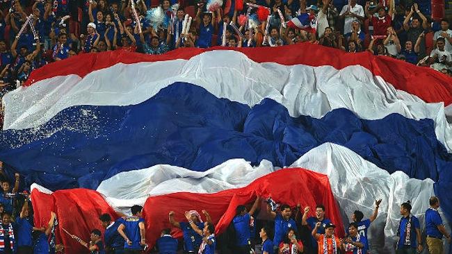 กองเชียร์ทีมชาติไทยในวันแข่งขันกับญี่ปุ่นก่อนพ่ายไป 2 ต่อ 0 : ภาพจาก socceroos.com.au