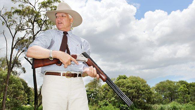 นาย Bob Katter เจ้าของฉายา ส.ส. Maverick : ภาพจาก artesonline.com