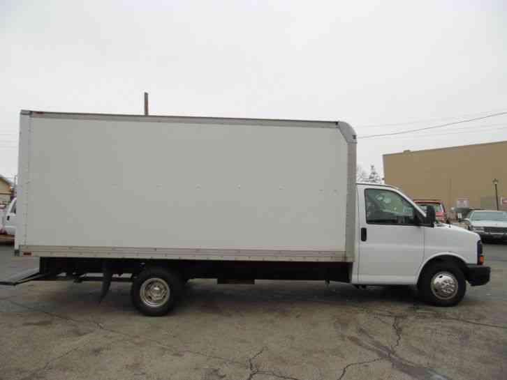 Gmc Savana Box Cube Van Truck Rear Ramp 2004 Van Box