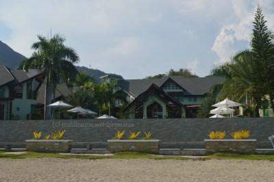 Kaso walang gate yung bahay namin, kasi nakatira kami sa beach. Joke. Hahaha