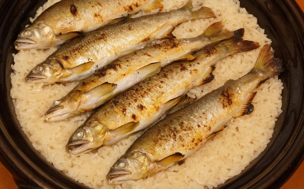 鮎の土鍋炊き込みご飯