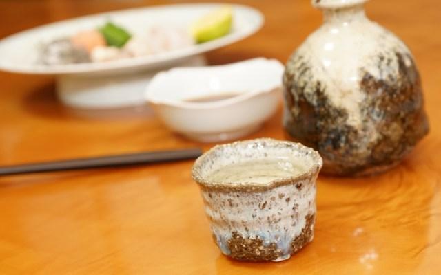 ヒラメの刺身と日本酒