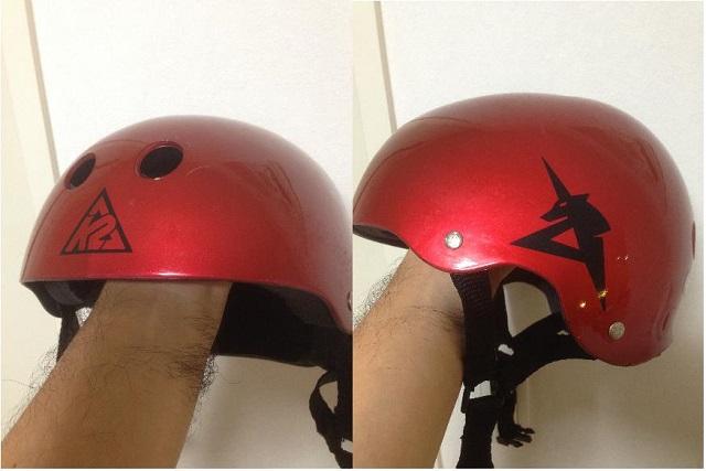 インラインスケート&ウォータージャンプ用のヘルメット 側面にあるのはアムロマークです!(右)