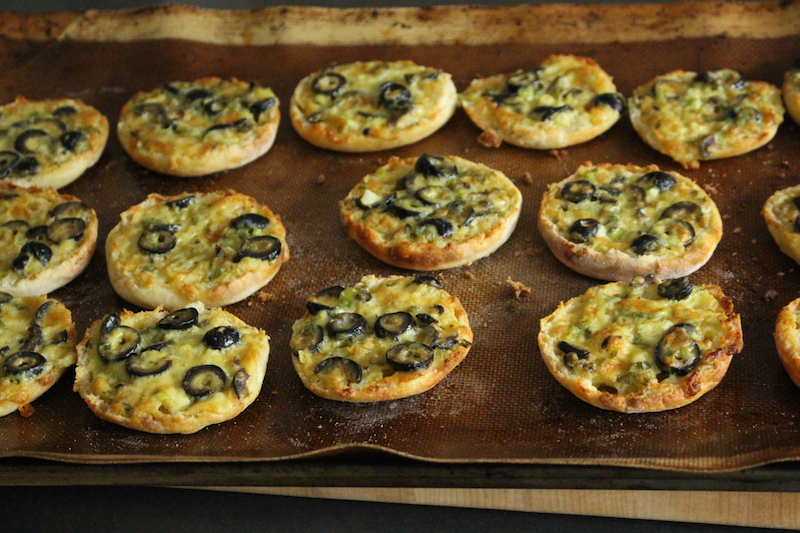 Olive Cheese Melt – Mini Pizza or Appetizer