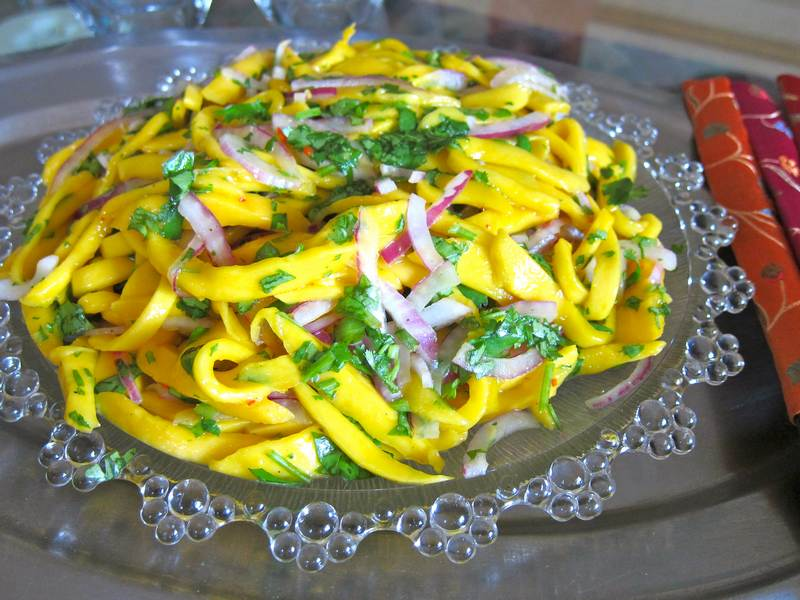 Mango Cilantro Red Onion Salad