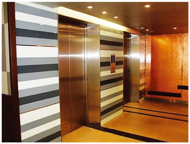サ・ホライズンのエレベーターホール
