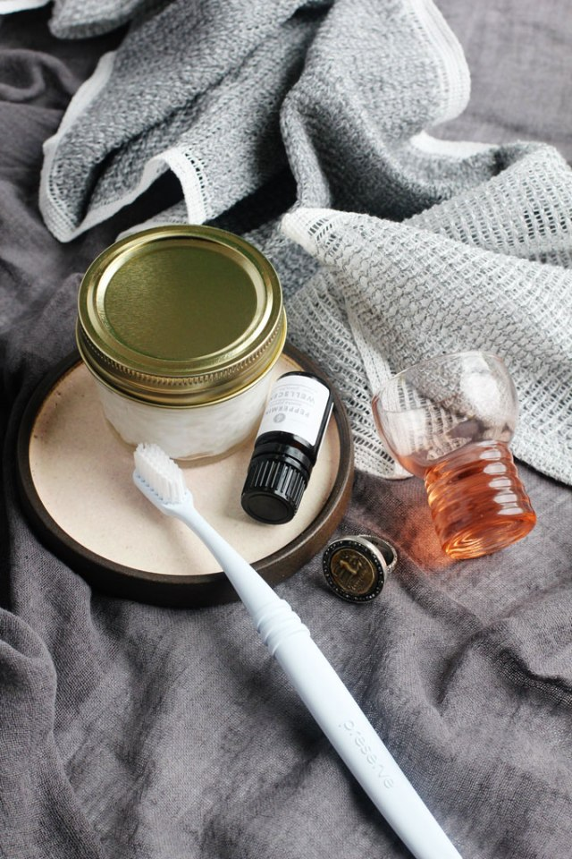 diy-peppermint-toothpaste-5