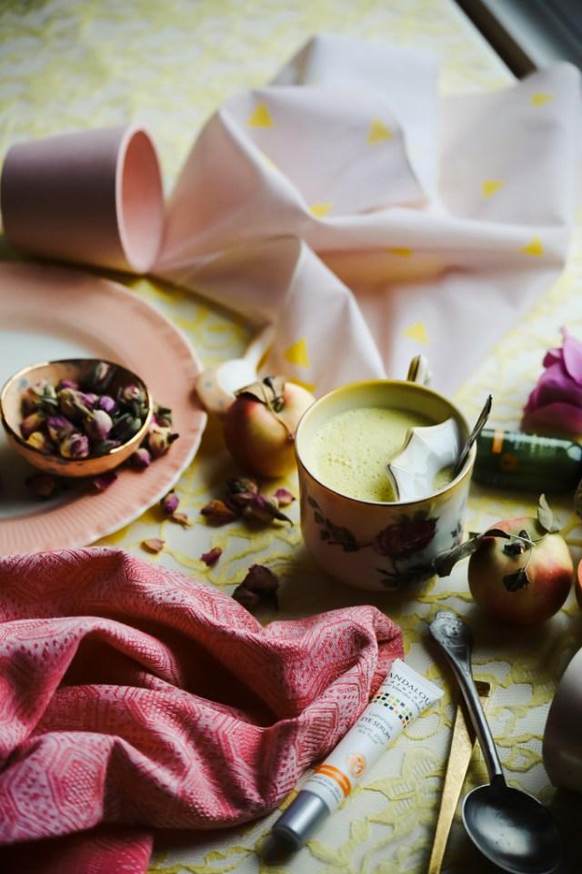 andalou-naturals-rose-saffron-golden-milk-2