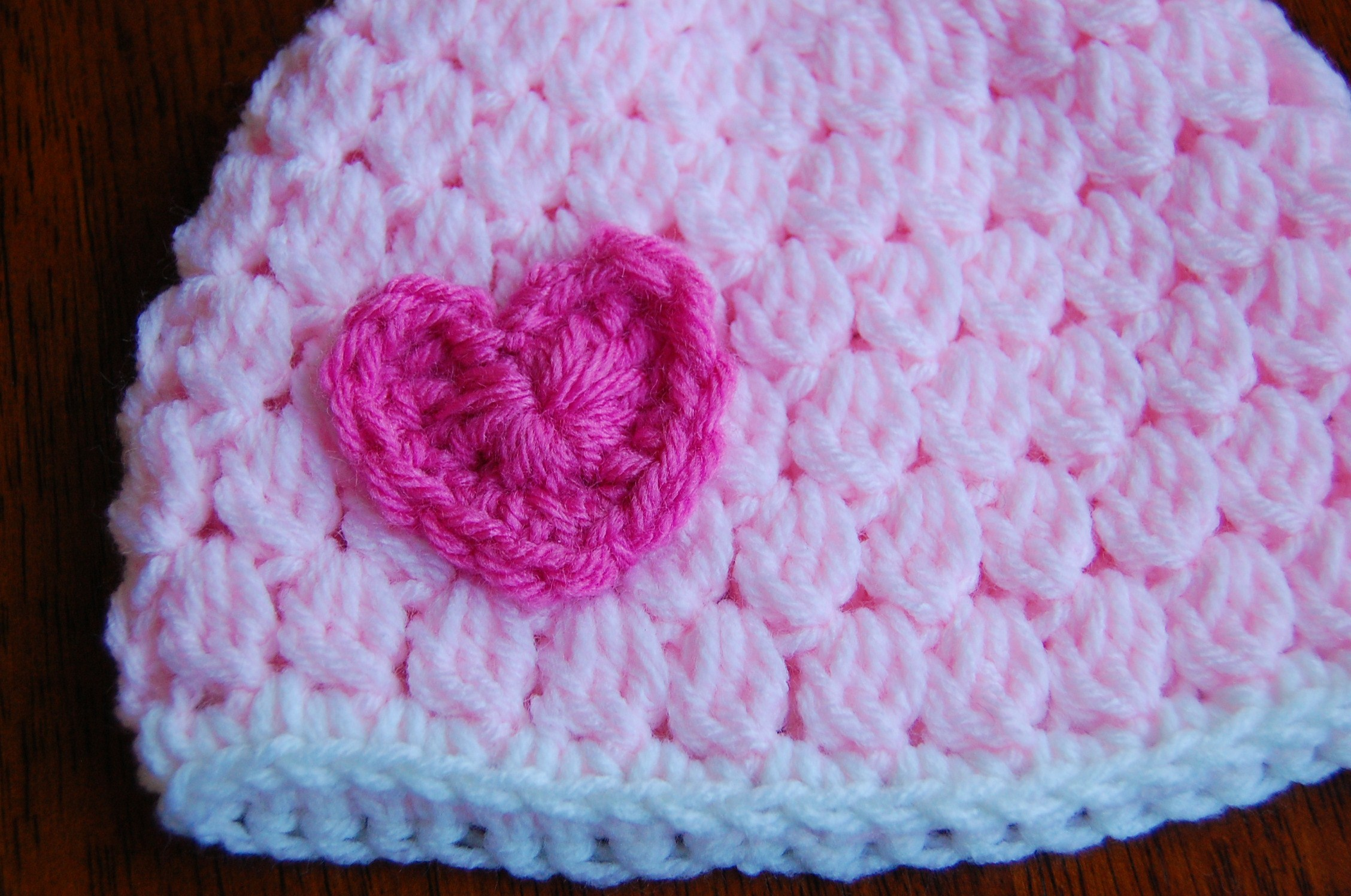 Free Girl\'s Crochet Hat Pattern with Heart