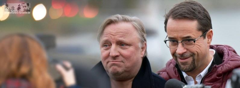 """Beim Pressefototermin von """"Schwanensee"""" am 6. März knipsen wir, was das Zeugt hält, und haben Spaß mit Axel und Jan im Schwanentretboot."""