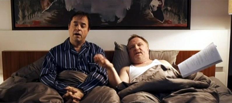 """Am 27. Mai hat Jan Josef Liefers zum dritten Mal die Gala des Deutschen Filmpreises moderiert. Legendär auch dieses Jahr wieder der Opener: Jan im Bett mit """"Schatz"""" Axel Prahl. *LOL*"""