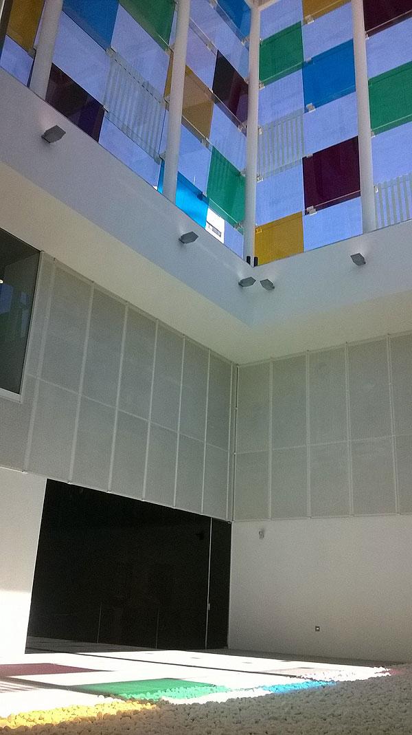 i_light-cemento-transparente-en-el-centro-pompidou-de-málaga-experimenta-05
