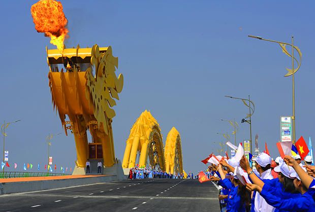 dragon puente vietnam