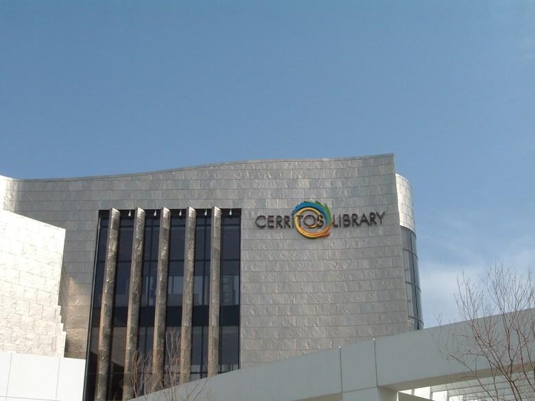 New-Cerritos-Library