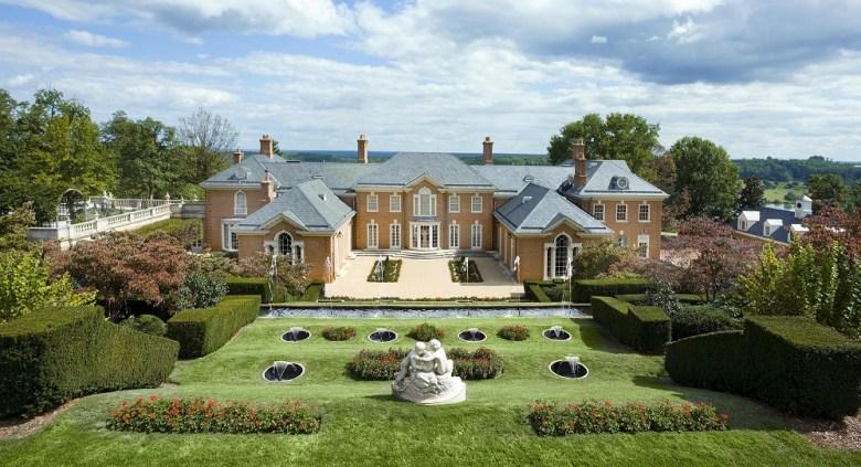 013 20151005.trump_albemarle_house_ext_gardens-2000