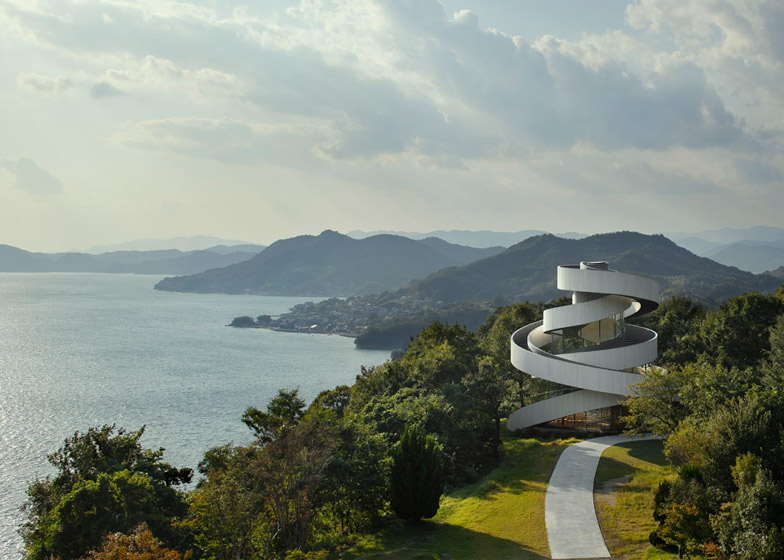 003 Ribbon-Chapel-by-Hiroshi-Nakamura_dezeen_784_13