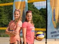 Sarah links, Lena rechts; Foto Overländer