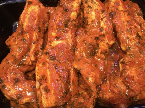 Meaty pork ribs with honey and garlic