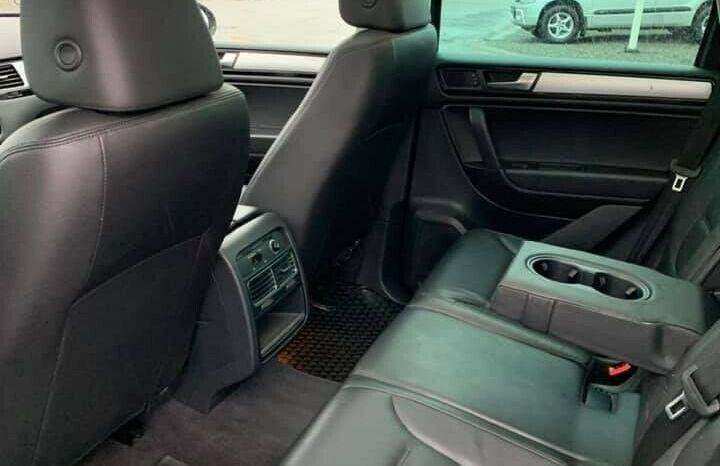 VW Touareg 3,0 V6 TDi full