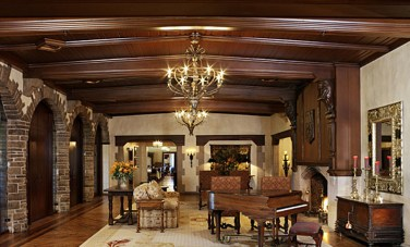 cherry-hills-country-club-lobby
