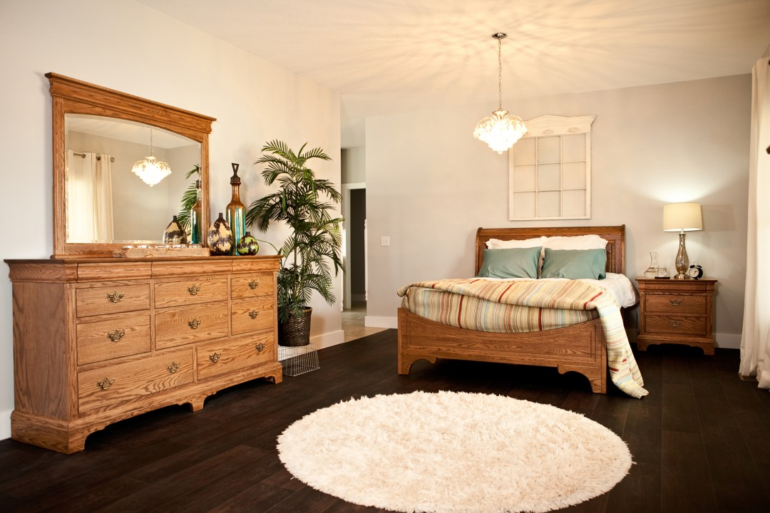 Edinburgh Sleigh Bed Suite