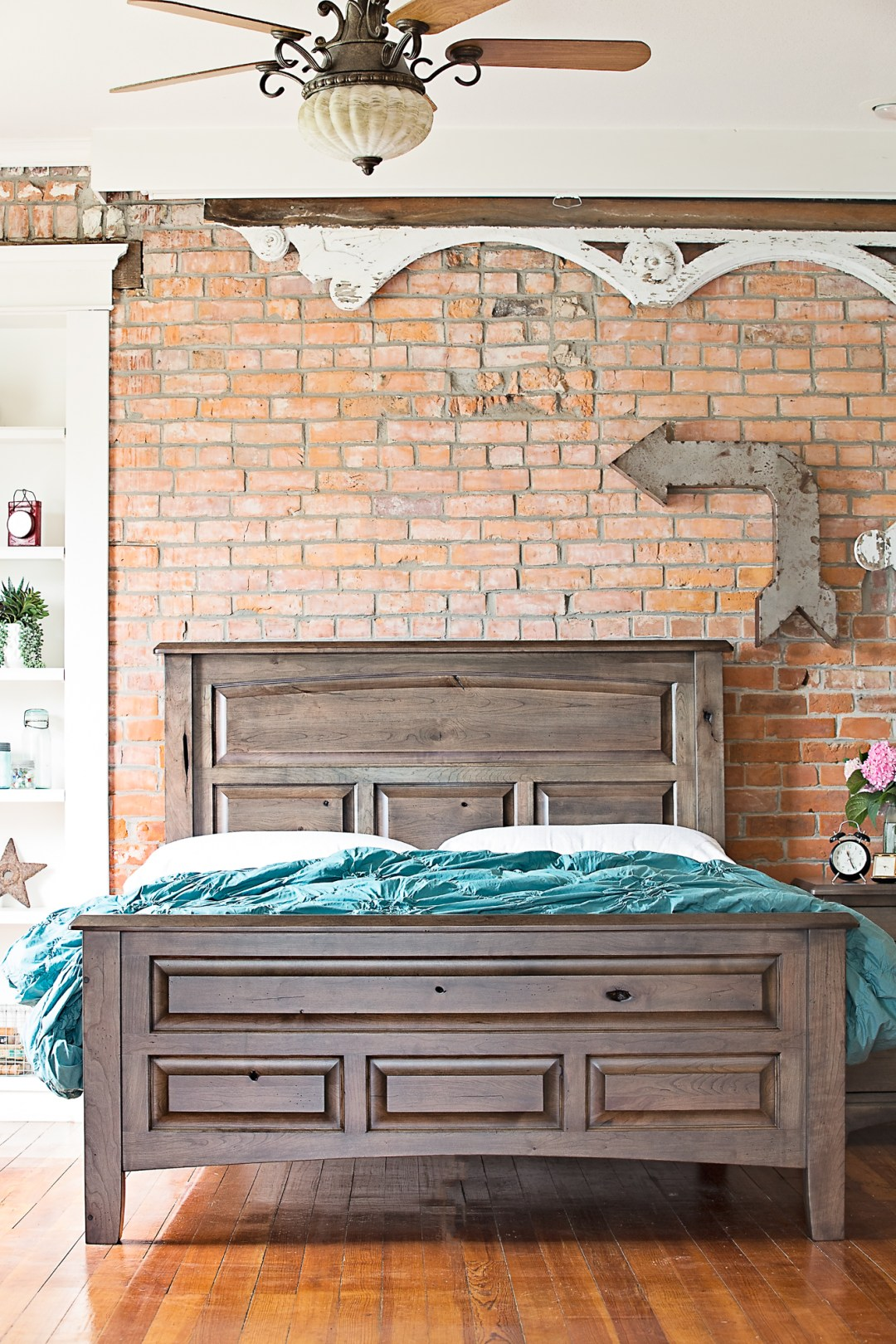 Westbrook Richfield Bedroom in Character Cherry