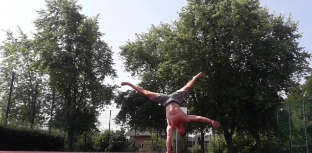 The perfect handstand
