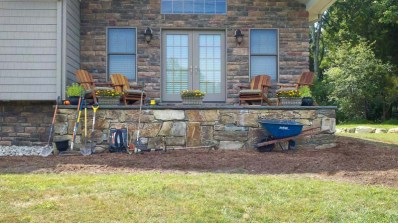 Retaining-Wall-Ideas-Backyard-1