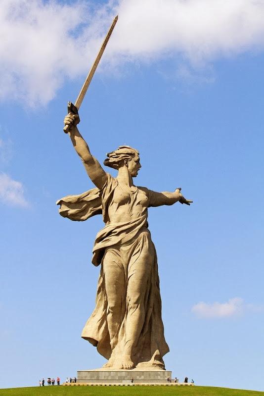 war statue mamayev-kurgan-4[3]