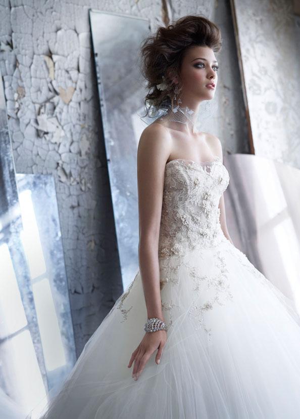 أثواب الزفاف لازارو، فساتين زفاف ستايل LZ3152 من قبل شركة JLM، تصميم الازياء