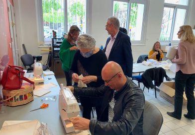 LA GARDE: Couturières bénévoles qui  confectionnent des masques ! MERCI