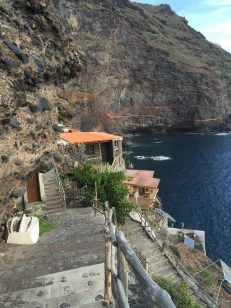 ~ homes built into the cliffs where people still live! ~