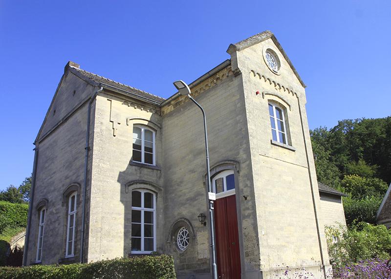 Een huis gebouwd van mergelblokken