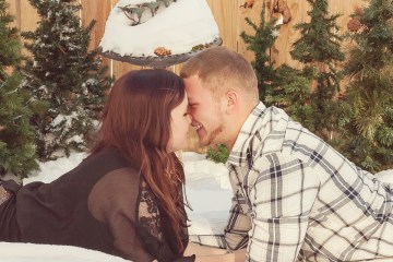 Christmas Couples Photography in Green Bay