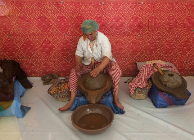 Grinding out the argan oil
