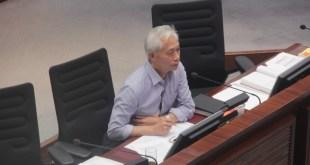 街工梁耀忠則批評,西九管理局的工程預算與造價相差12%是十分嚴重的缺失。(梁錦瑩攝)