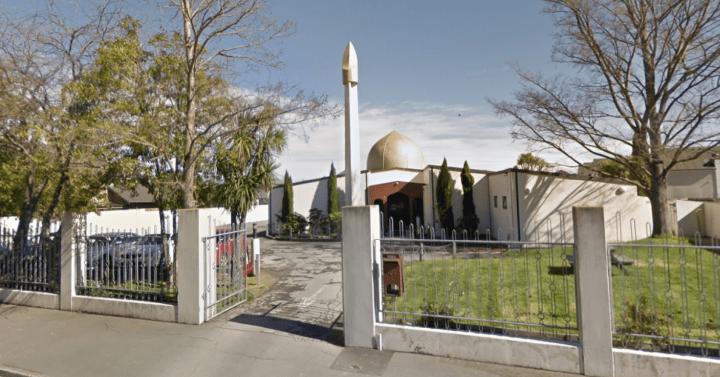 疑兇曾網上直播於Al Noor清真寺內掃射人群,該寺內至少30人死亡。(Google 地圖截圖)