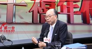 運輸及房屋局局長陳帆今早出席電台節目時表示現時過渡性房屋政策的樽頸位不在於金錢。(張曉欣攝)