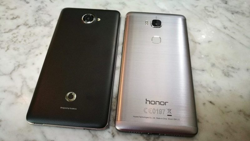 Smart Ultra 7 left - Honor 5X right
